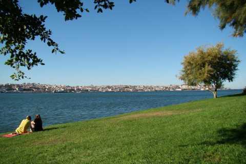 Lisbon's South Side, River Tejo & 3-Hour Walking Tour