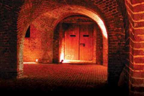 Charleston: 90-Minute Ghost and Dungeon Walking Tour
