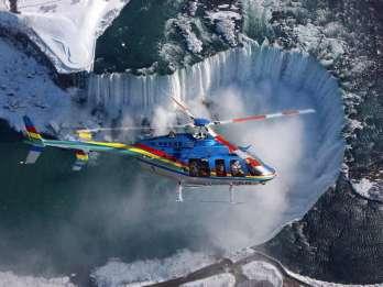 Niagara Falls: Heli, Bootsfahrt & Skylon Tour & Mittagessen