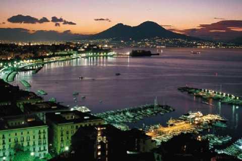 Nápoles por la noche 3 horas Sightseeing Drive