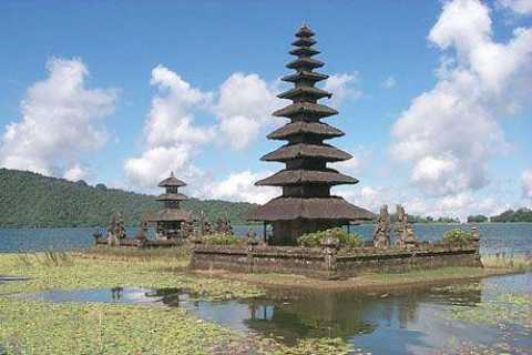 Bali: Lovina Beach and Bedugul Mountain Private Tour