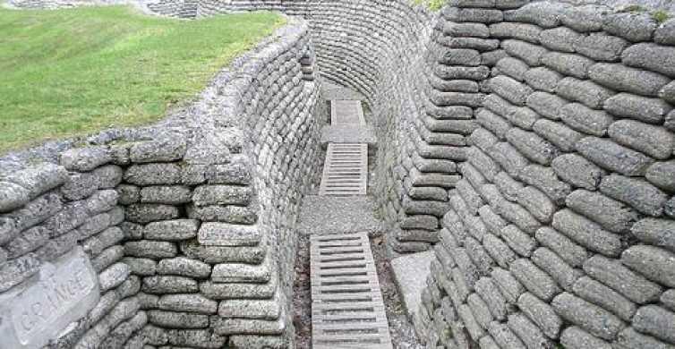 Van Parijs: Battle of Arras & Vimy Ridge Day Tour by Minibus