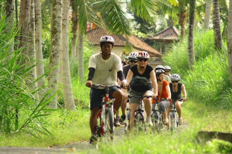 Ländliche Fahrradtour auf Bali
