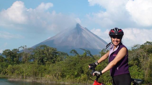 Lake Arenal en vulkaan mountainbiken (matig)