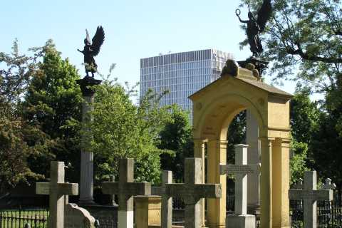 Invalids' Cemetery of Berlin – In the Shadow of the Wall