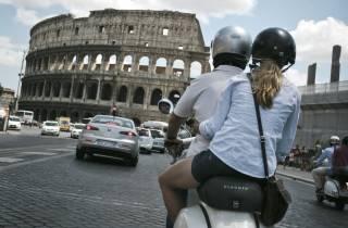 Rom: Vespa-Halbtagestour mit privatem Fahrer