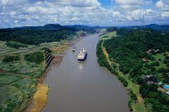 Passeio de Barco de 6 Horas no Canal do Panamá