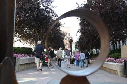 Old Montreal: 1.5-Hour Walking Tour of the East Side