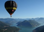 Fahrt mit dem Heißluftballon in der Lombardei