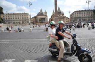 Rom: 24-Stunden-Anmietung einer Vespa Primavera