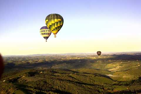 1-Hour Hot Air Balloon Flight Over Tuscany from Lucca