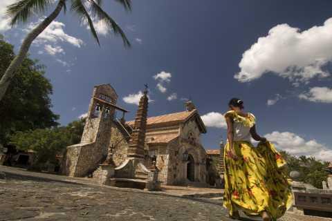 Altos de Chavón and Shopping in La Romana Day Tour