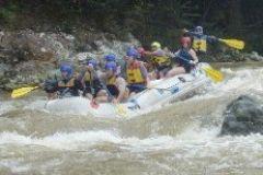 Rafting no rio Mamoni em um dia inteiro