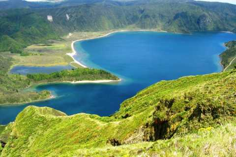 Lagoa do Fogo Half-Day 4WD Tour from Ponta Delgada