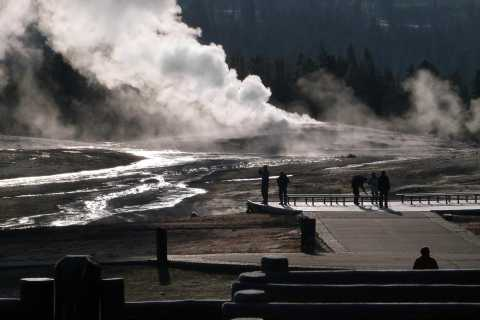 Yellowstone National Park: 2-Day Guided Tour with Lunches