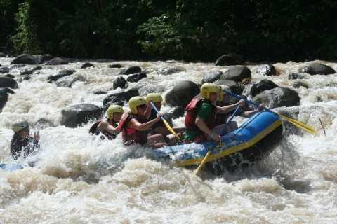 La Fortuna Full-Day Sarapiquí River Class IV Rafting