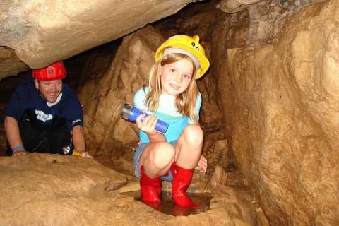 Costa Rica: Venado Caves 5-Hour Spelunking Tour