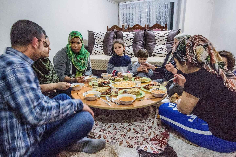 Istanbul: Hausgemachtes Abendessen bei einheimischer Familie