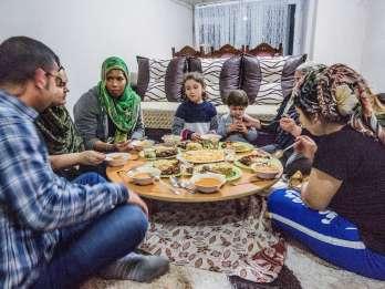 Istanbul: Selbstgekochtes Abendessen bei einer Familie