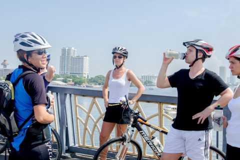 Barrios históricos de Bangkok: recorrido en bicicleta por la mañana