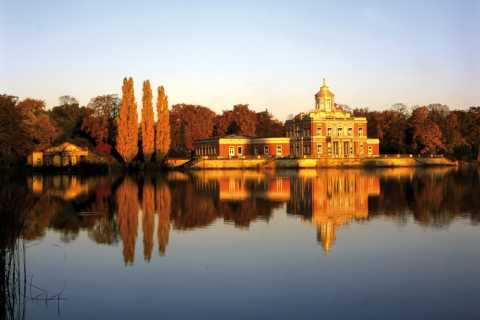 From Berlin: Potsdam 5-Hour Tour by VW Bus