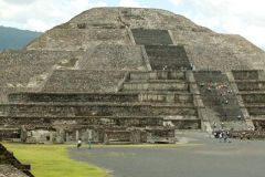 Excursão a Teotihuacan, Santuário de Guadalupe e Tlatelolco