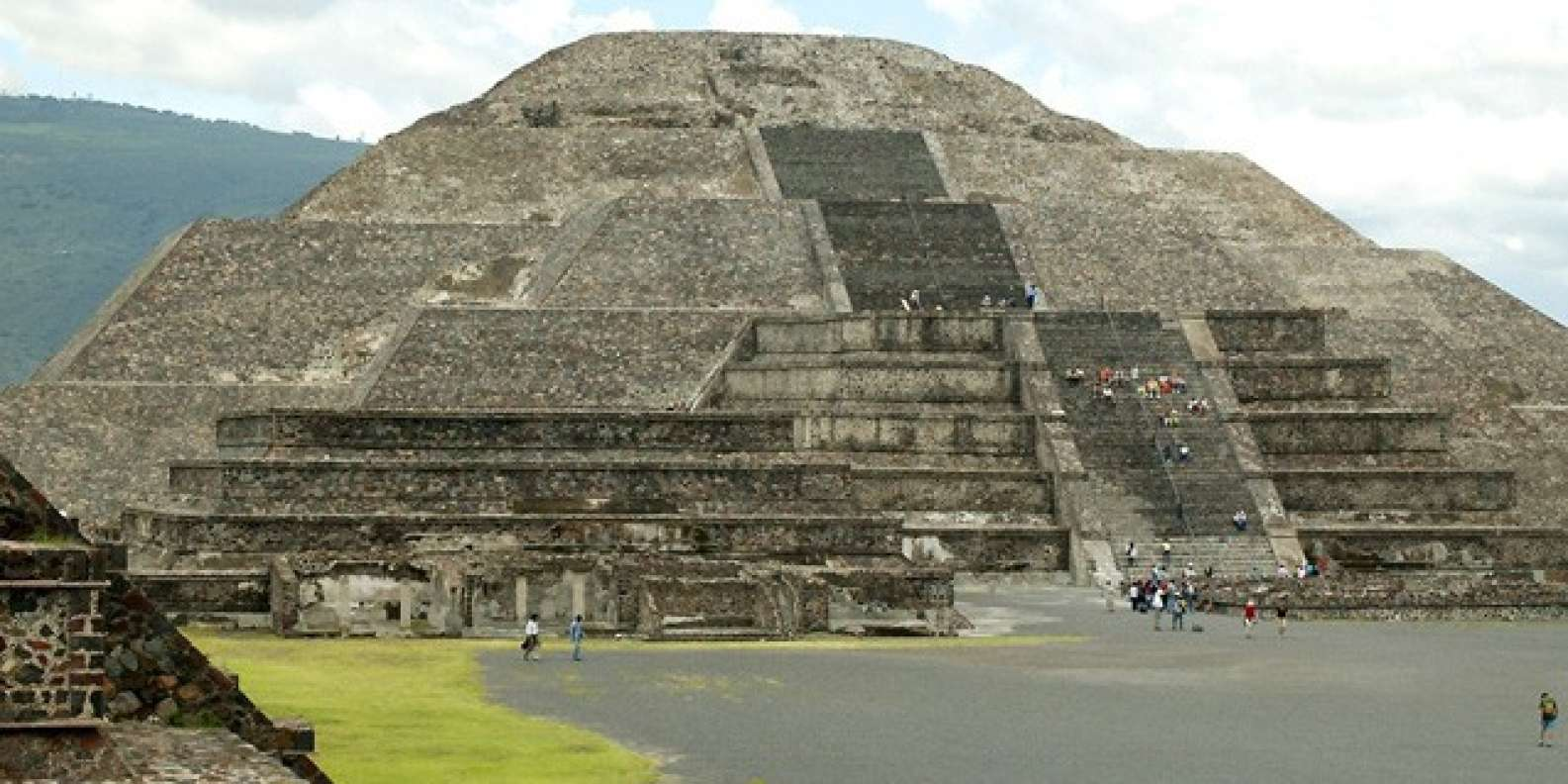 Teotihuacan Shrine Of Guadalupe Tlatelolco Day Tour Getyourguide