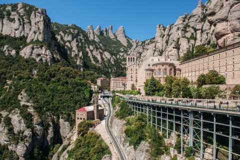 Ohne Anstehen: Barcelona & Montserrat-Tour mit Abholung