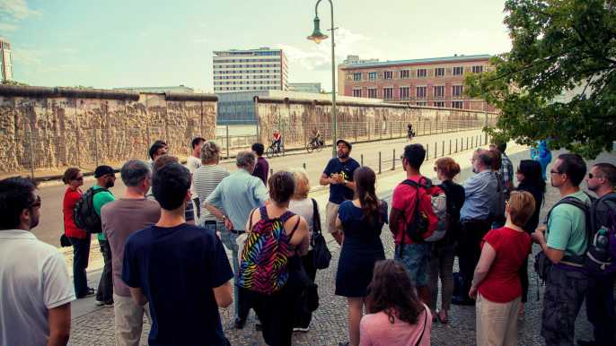 Berlin: Highlights of Berlin Walking Shared or Private Tour