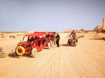 Ab Hurghada: 5-stündige Wüstensafari mit Quad & Barbecue