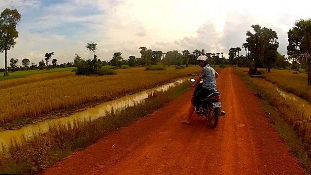 Siem Reap: 6-Hour Easy Rider Motorbike Tour