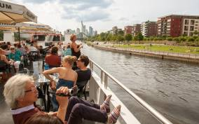 1-Hour Panorama Boat Cruise Through Frankfurt am Main