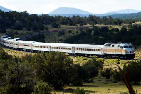Sedona: Grand Canyon Railway Full-Day Scenic Rail Tour