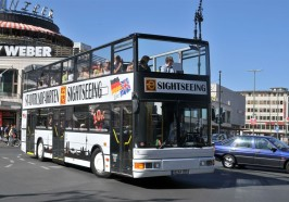 What to do in Berlin - Berlin: Hop-on Hop-off Bus Tour with Live Commentary
