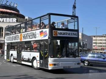Berlin: Hop-On-/Hop-Off-Bustour mit Live-Kommentar