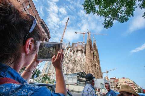 Desde Plaça Catalunya: tour prioritario Sagrada Familia