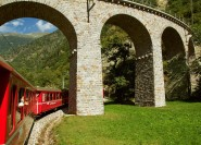 Ab Mailand: Tagestour nach Bernina & St. Moritz