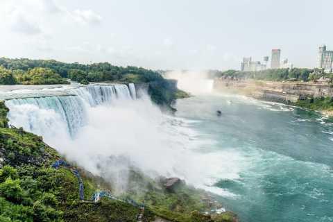 Tour delle Cascate del Niagara con volo da New York