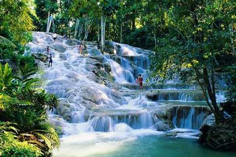 Dunn's River Falls Park and Shopping: 6-Hour Tour