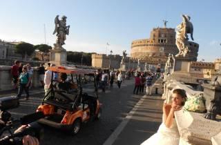 Rom bei Sonnenuntergang: Romantische Fahrt im Golfwagen