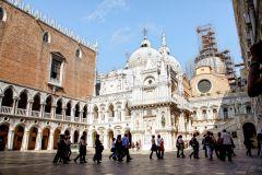 Veneza: Palácio Ducal, Basílica de S. Marcos e Excursão a Pé