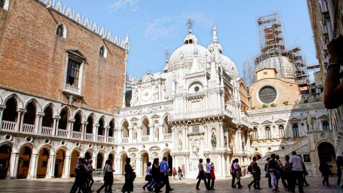 Doge's Palace, St. Mark's Basilica and Venice Walking Tour