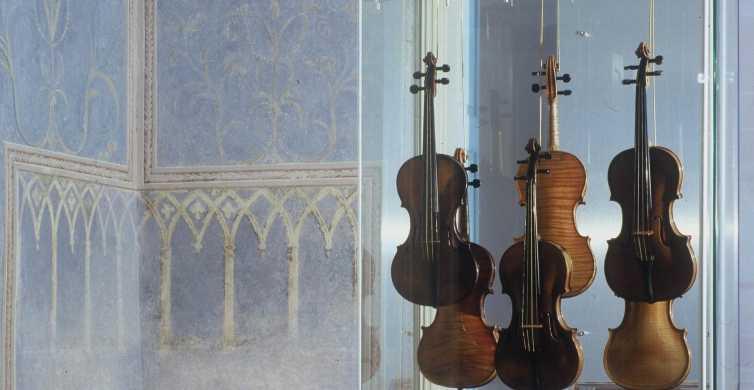 Prague Mozart: Old Town, Lesser Town & Czech Museum Tour
