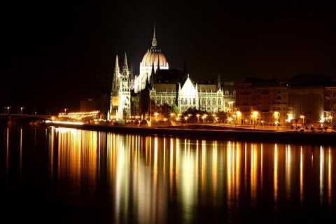 Budapest private: legends & enchanting sea of lights