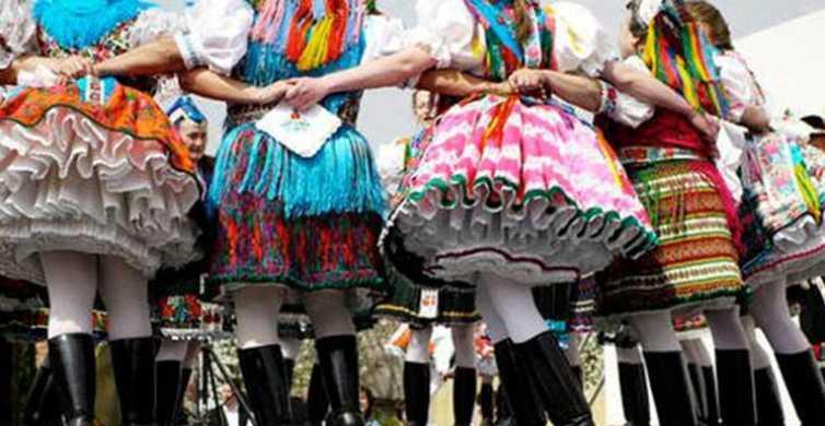 Hollókő Ethnographic Village: Day Tour from Budapest