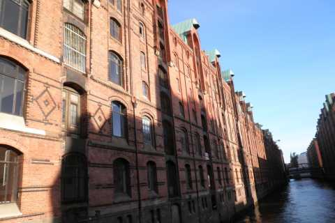 Hamburg: Speicherstadt & HafenCity 2-Hour Walking Tour