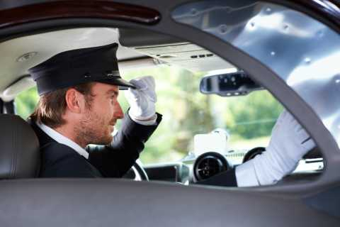 Hamburg: Exclusive Tour by Limousine with Chauffeur