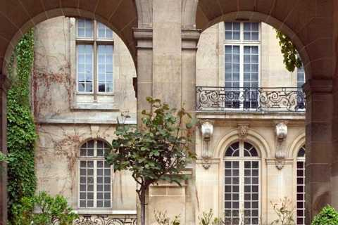 Paris: Secret Gardens Walking Tour
