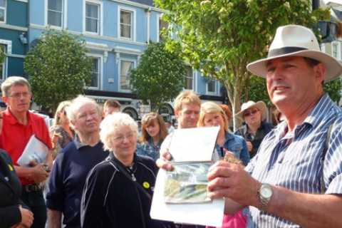The Titanic Trail: 1-Hour Guided Walking Tour of Cobh