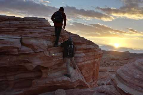 Valley of Fire Guided Hiking Tour from Las Vegas